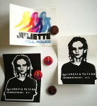 JULIETTE LEWIS - 4 BUTTONS + 3 STICKER - RARITÄT