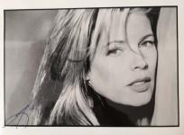 KIM BASINGER - FOTO mit reproduziertem Autogramm