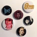 6 verschiedene DAVID BOWIE - Button- Badges - England